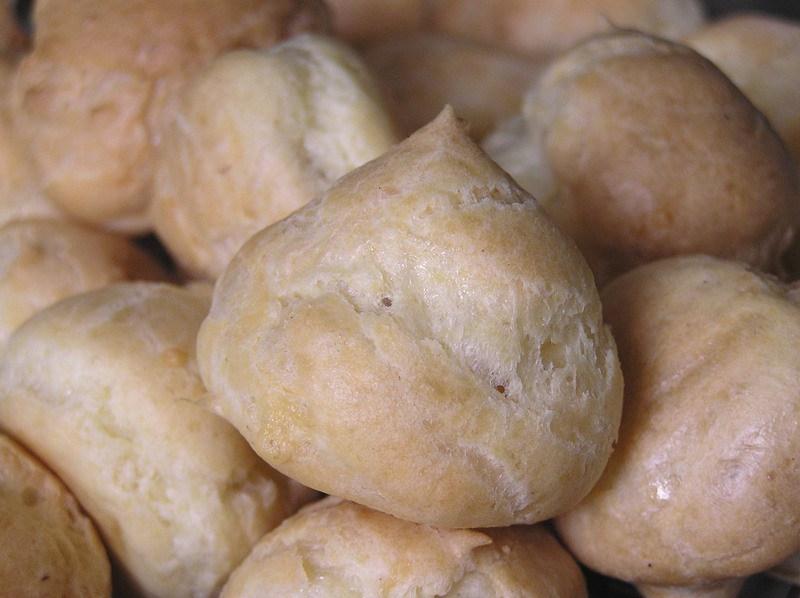 La recette traditionnelle des gougères au gruyère