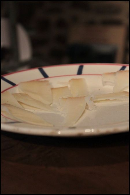 Assiette d'Ossau-Iraty à la ferme ENAUTENEA