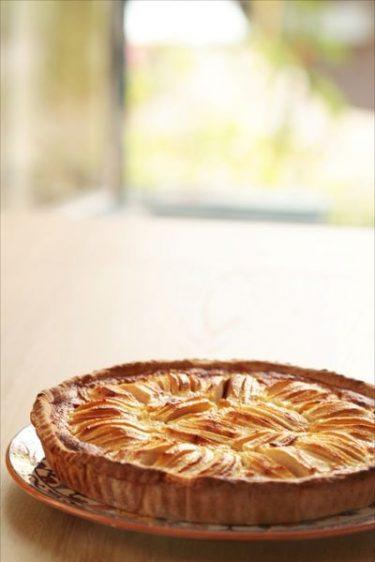 Un dessert traditionnel alsacien : la tarte aux pommes et aux épices.