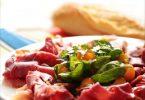 Présentation de la recette de salade de melon et de jeunes pousses pour le jambon basque Kintoa