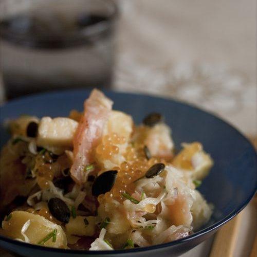 Ma recette de salade de choucroute à la truite fumée et aux oeufs de truite.