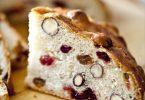 Ma recette facile de pain de fêtes pour le fromage, pain aux noisettes, cranberries et raisins secs.