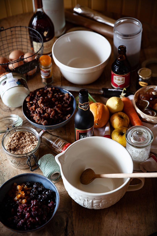 La recette du véritable Christmas Pudding traditionnel et vegan, tous les ingrédients et le matériel