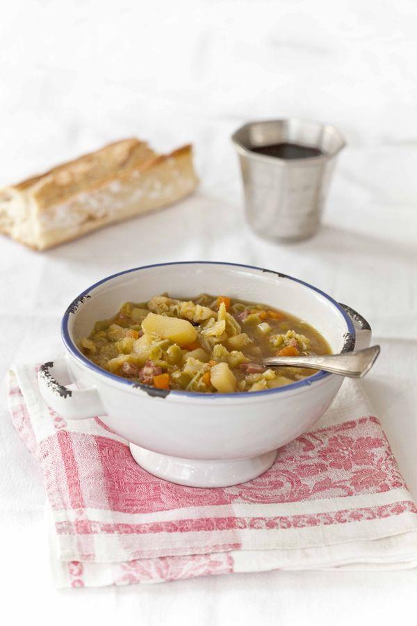Faire un bon bouillon, la soupe au chou et aux pois cassés