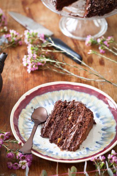 Part de gâteau Layer Cake au chocolat et au grué de cacao, la recette