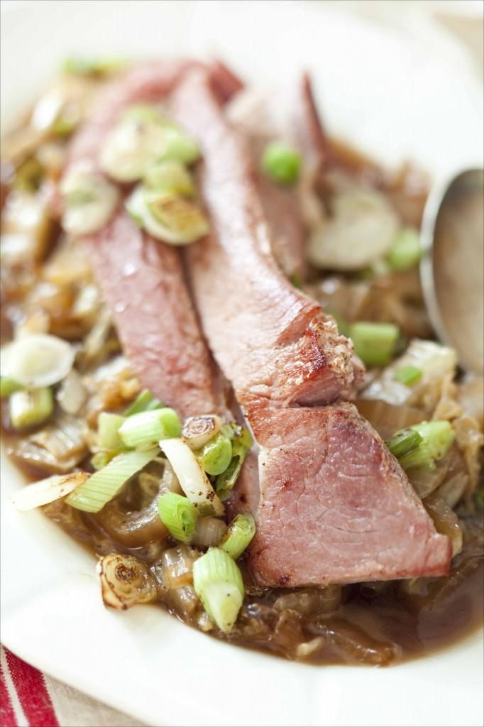 Jambon grillé et chou chinois au sirop d'érable et poivre fumé 31