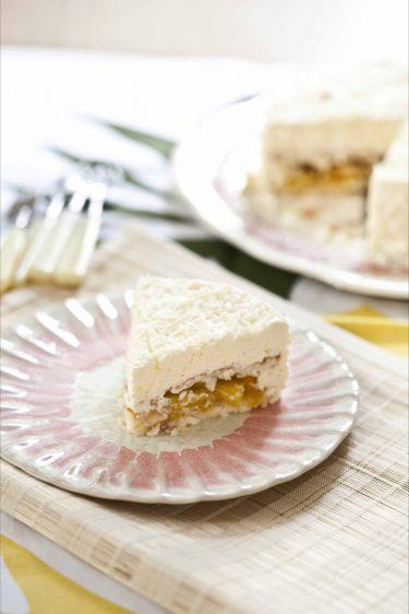 La recette du gâteau mousse à la noix de coco, à la mangue et à l'ananas