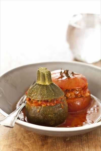 recette de Tomates et courgettes farcies cuites à la casserole