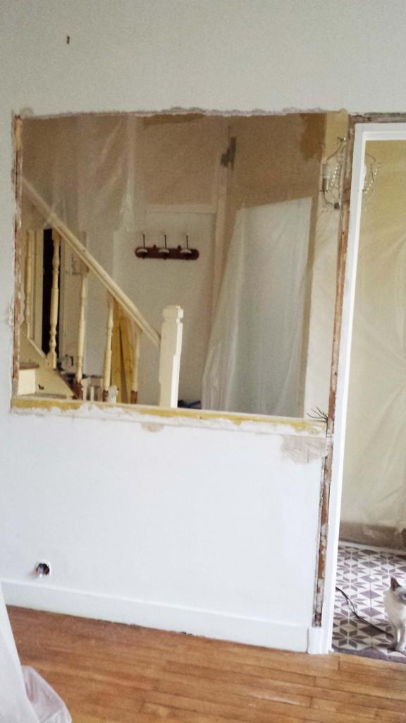 Commencement de pose du cadre de la baie vitrée