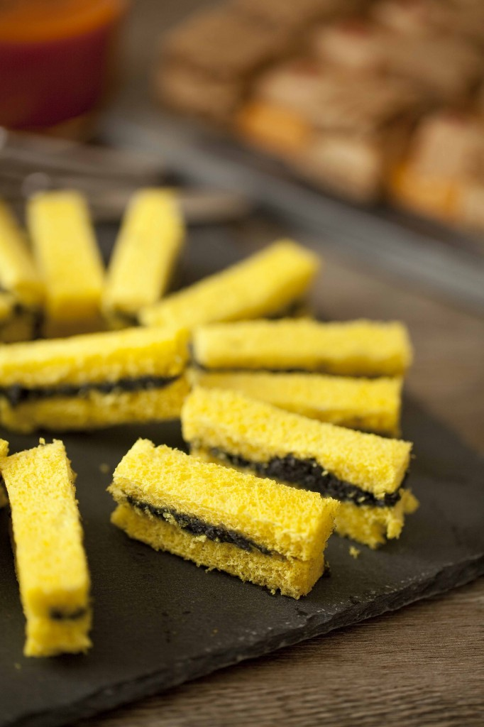 Buffet Au Secours Mini sandwich de beurre de caviar 1