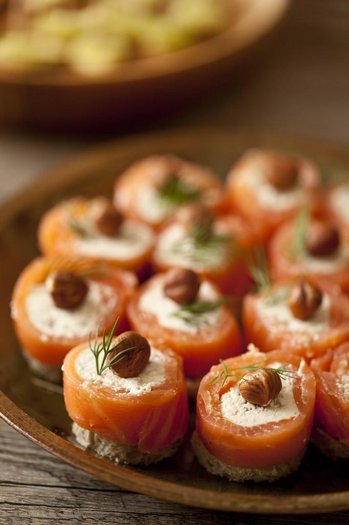 Buffet Au Secours Rouleaux de saumon au boursin ppoivre cranberry 1