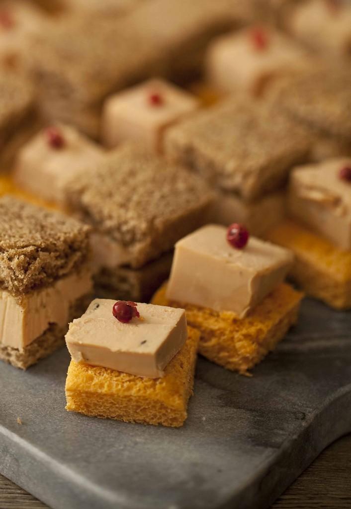 Buffet Au Secours mini bouchée au foie gras baie rose 1