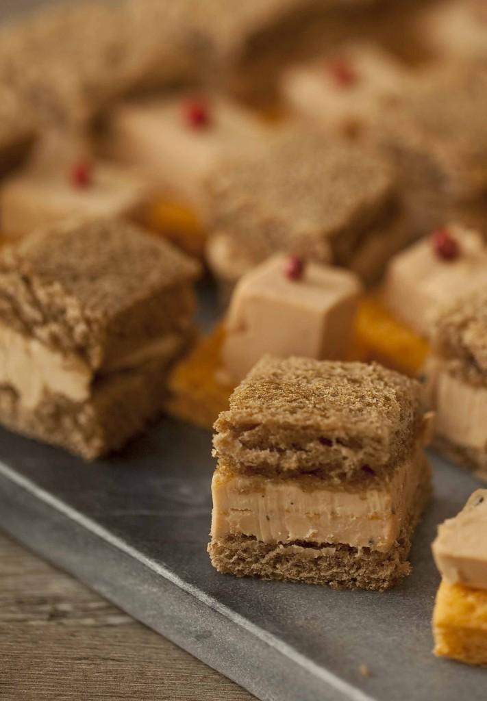Buffet Au Secours mini sandwichs foie gras Lartigue gelée de champagne au safran 1