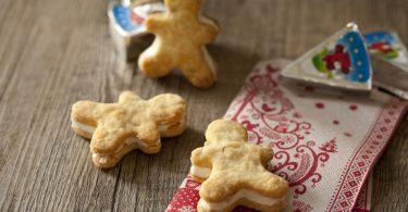 La recette de crackers à la Vache Qui Rit® en forme de bonshommes de Noël, les mannele