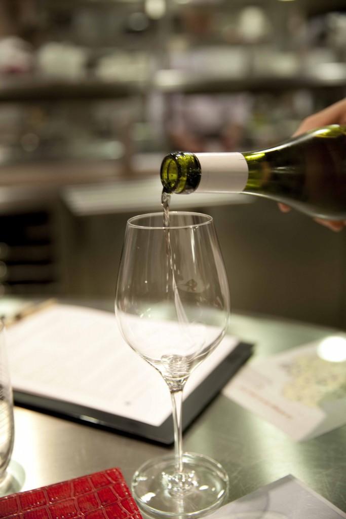Relais Bernard Loiseau Cuisine Service vin @Anne Demay 21