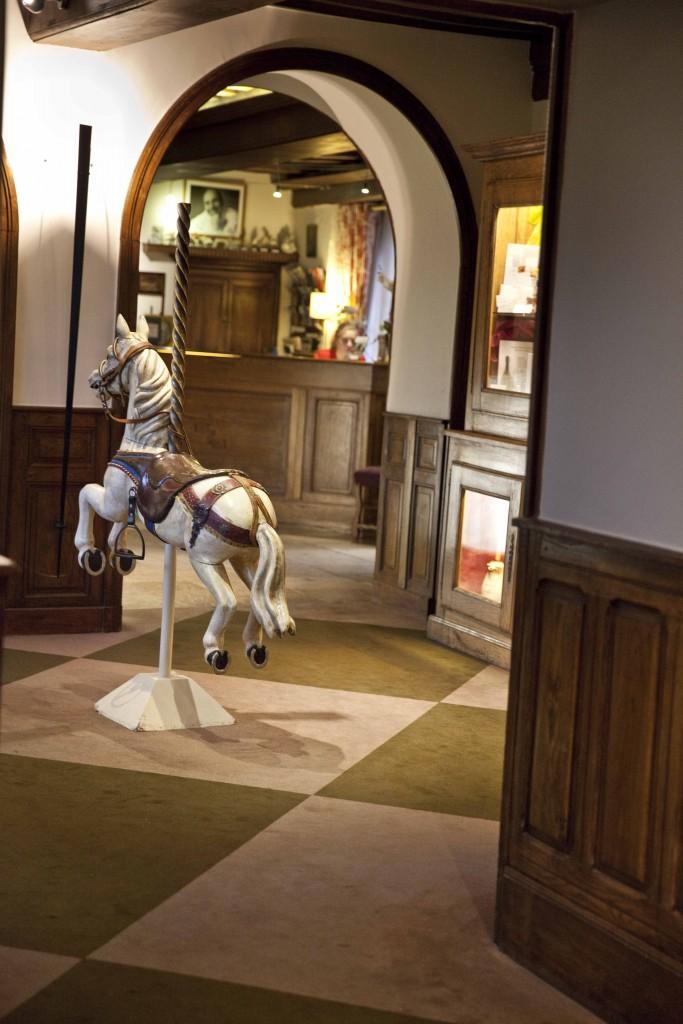Relais Bernard Loiseau Intérieur Cheval de bois @Anne Demay 1