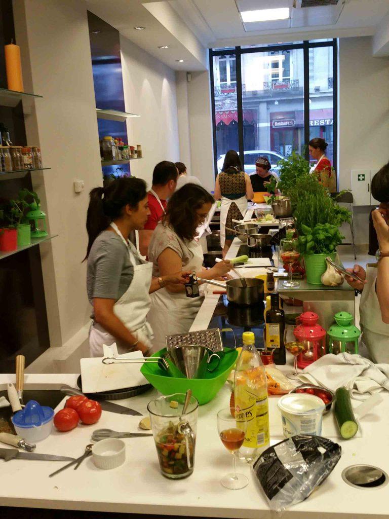 Cela s'agite dans la cuisine d'Interfel, l'organisme interpro des fruits et légumes...