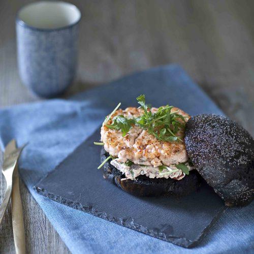Ma recette de burger noir au saumon