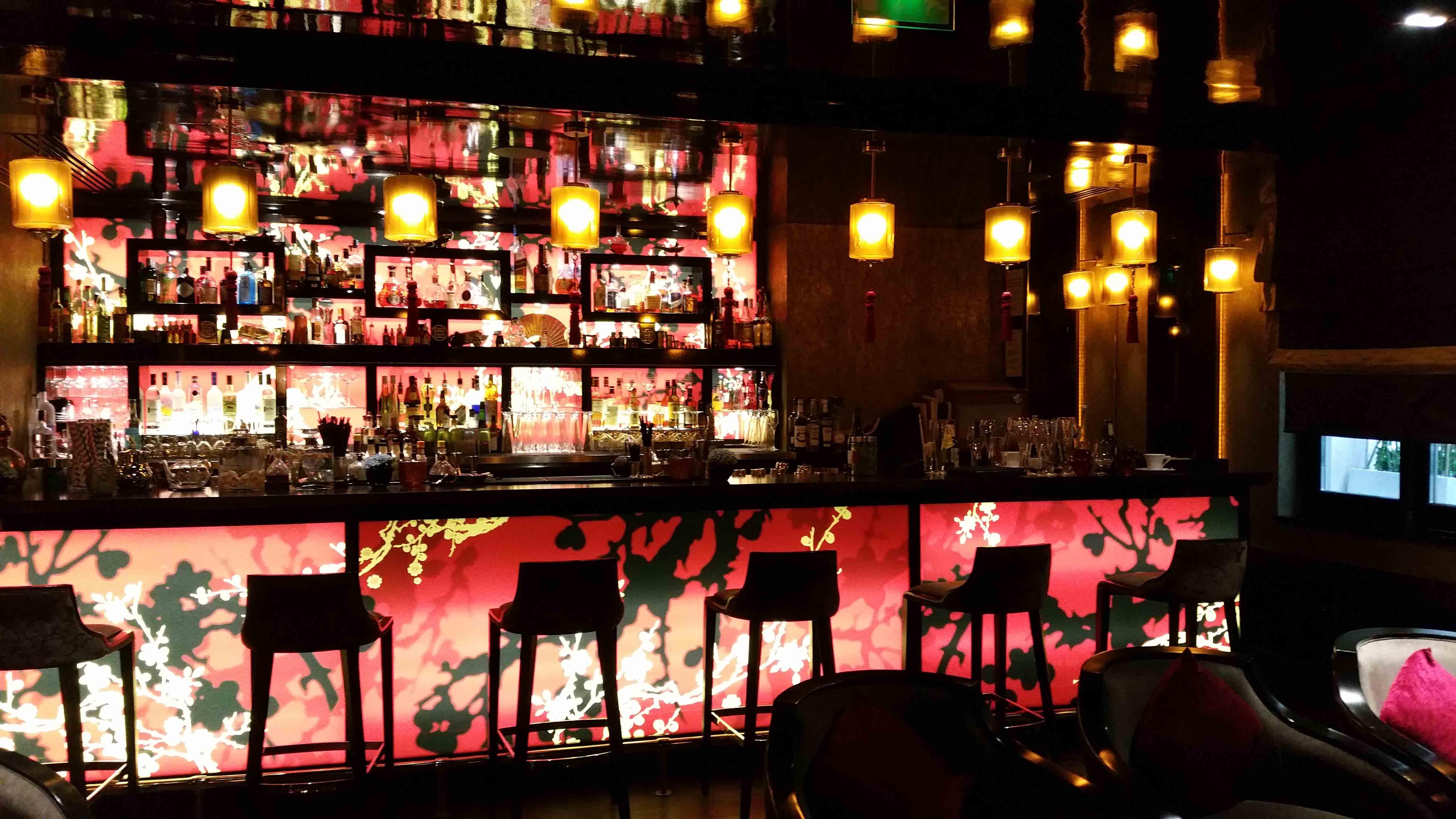 Un brunch de roi au buddha bar hotel de paris for Bar exterieur paris