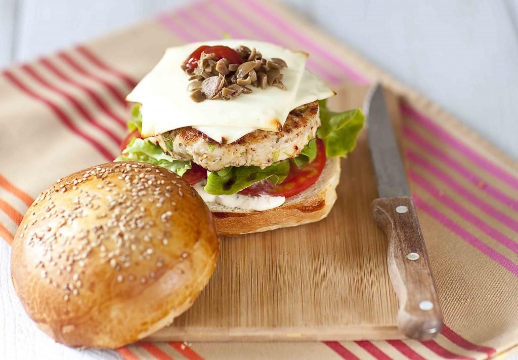 Burger basque au poulet et brebis 3c©panierdesaison