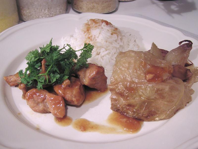 Sauté de porc au miel et à la citronnelle chou milan rôti