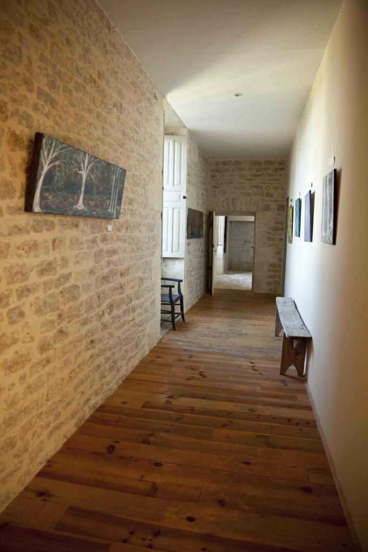 Canel Le couloir d'accès aux chambres c