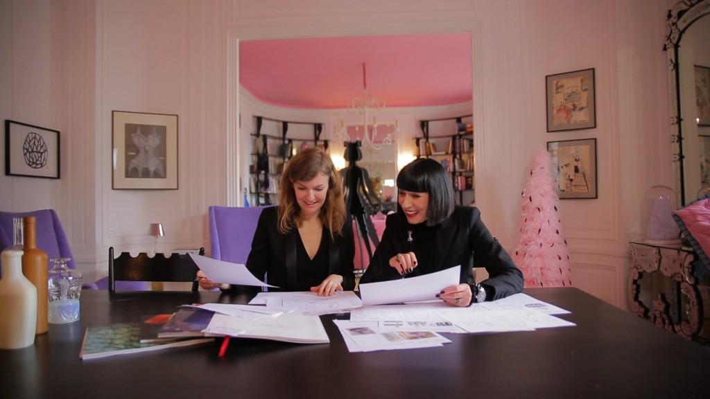 Chantal Thomas en plein travail (Crédit photo Selective Line)