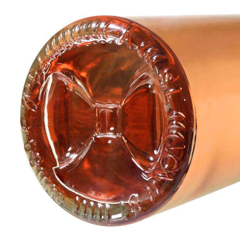 Le cul au noeud pap de la bouteille Claudine (Crédit photo Selective Line)