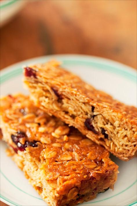 Cranberries flapjacks pour un petit déjeuner riche et fruité par Anne Demay Reverdy pour le blog Panier de Saison