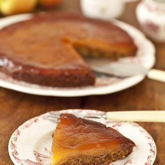 Un dessert fondant où les pommes sont presque confites : gâteau tatin fondant aux pommes