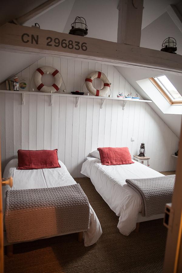 les filles du bord de mer pour des g tes l 39 accueil. Black Bedroom Furniture Sets. Home Design Ideas