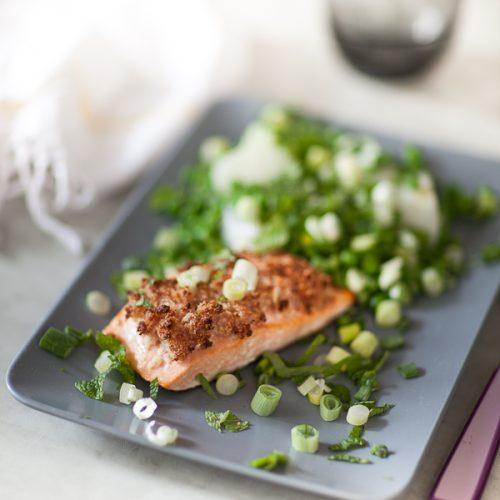 recette de saumon en croûte de lard et petits pois à la française