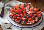 Tarte aux fraises et aux myrtilles, la recette avec une crème diplomate, la crème des mille-feuilles