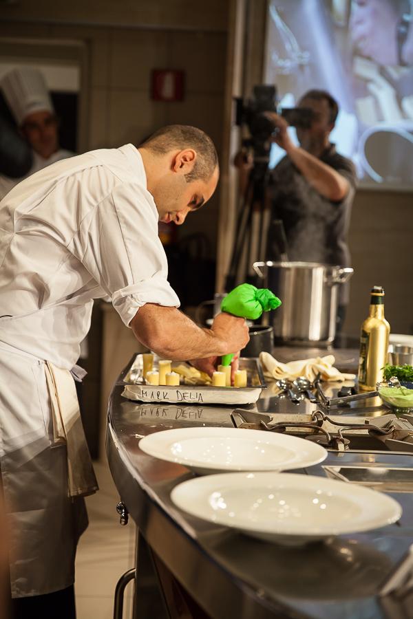 Finale Grands chefs du BPWC 2016 Mark Delia en train de farcir les cannelloni