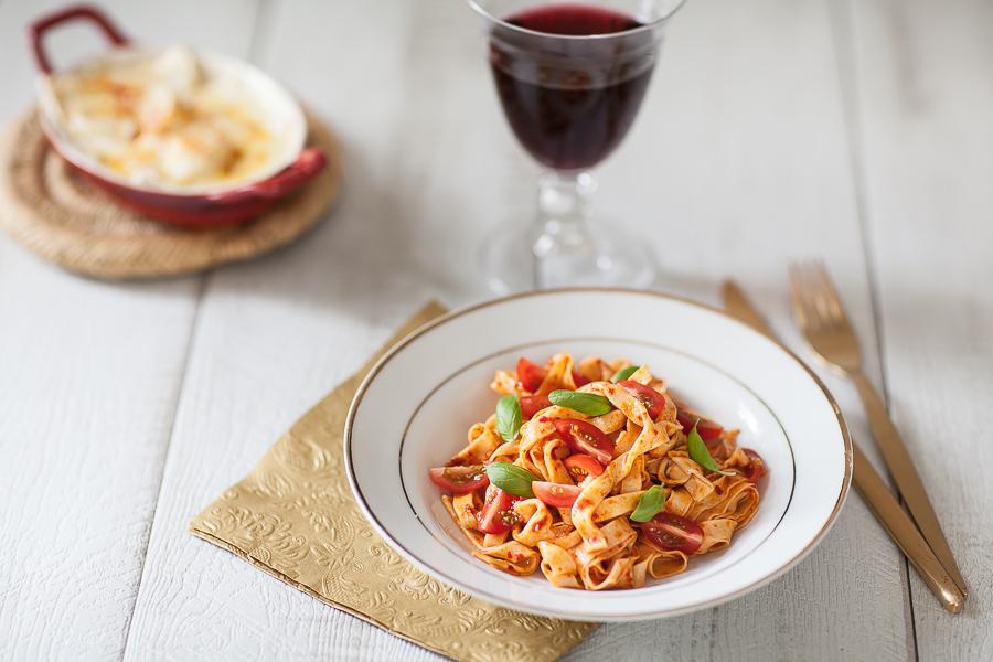 pâtes tagliatelle à a sauce tomate