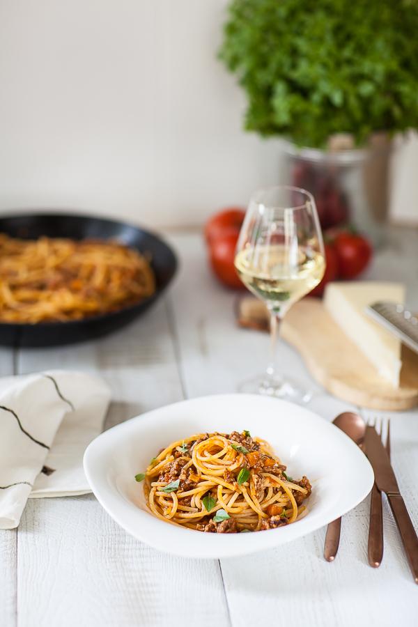 La recette traditionnelle des spaghetti bolognaise ou spaghetti al ragu italiennes