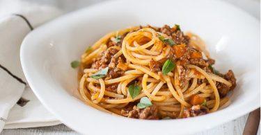 plat d epâtes spaghetti à la bolognaise la recette