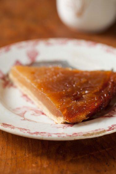 Ma version de la recette de Conticini pour une tarte tatin aux pommes fondantes.