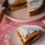 Gâteau au lait chaud fourré au caramel praliné, la recette facile