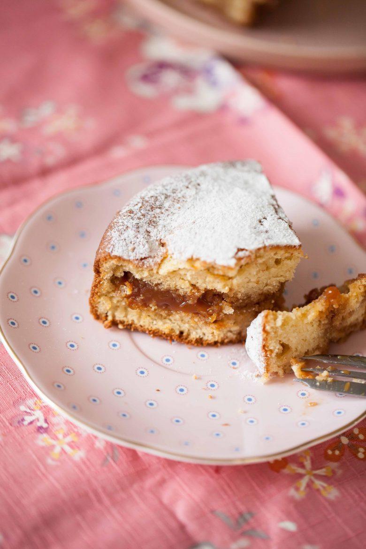 Ma recette de gâteau au lait chaud italien fourré au caramel praliné