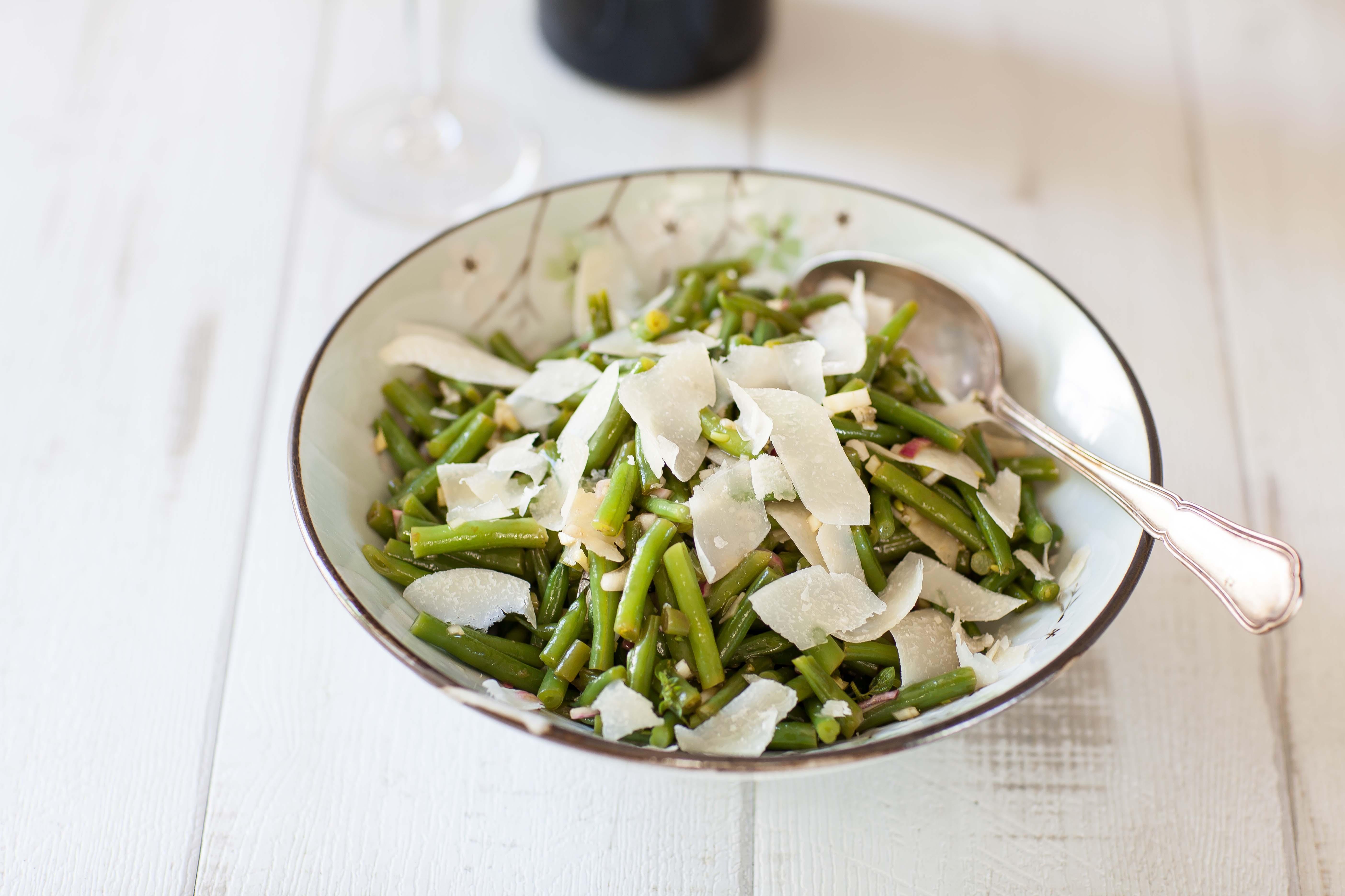 salade de haricots verts la parmesane panier de saison. Black Bedroom Furniture Sets. Home Design Ideas
