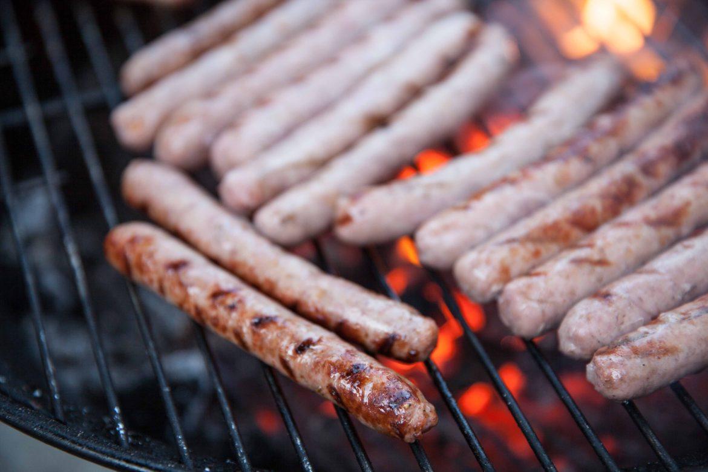 comment cuire les saucisses au barbecue