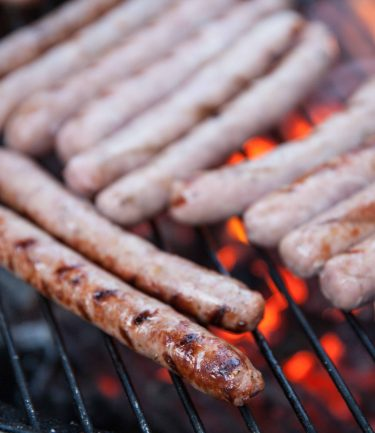 comment cuire les saucisses au barbecue