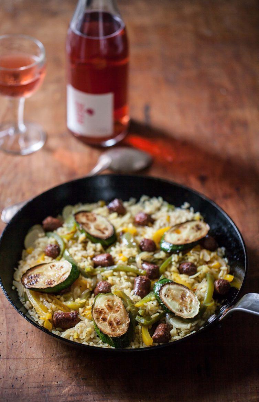 recette de riz sauté: paella aux légumes et aux merguez
