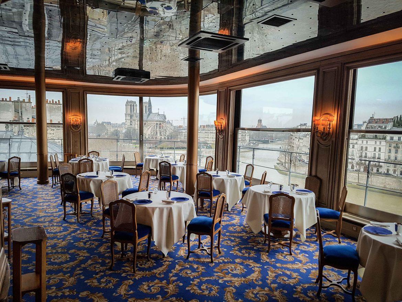 la salle du restaurant la tour d'argent