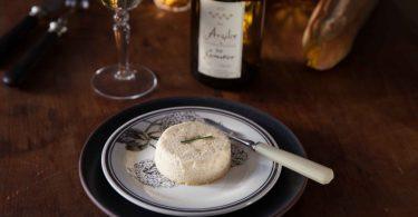 flan de topinambours dans une assiette fleurie de Gien vin blanc Argilex