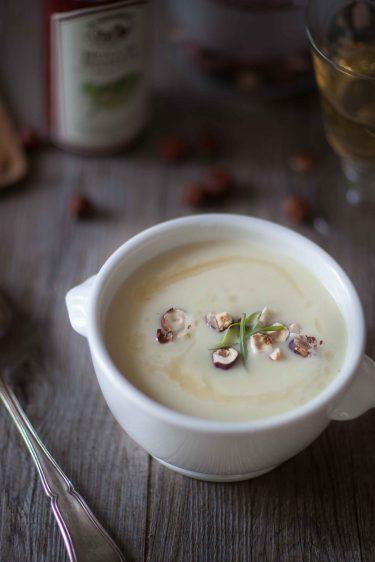 recette de soupe au céleri et aux noisettes