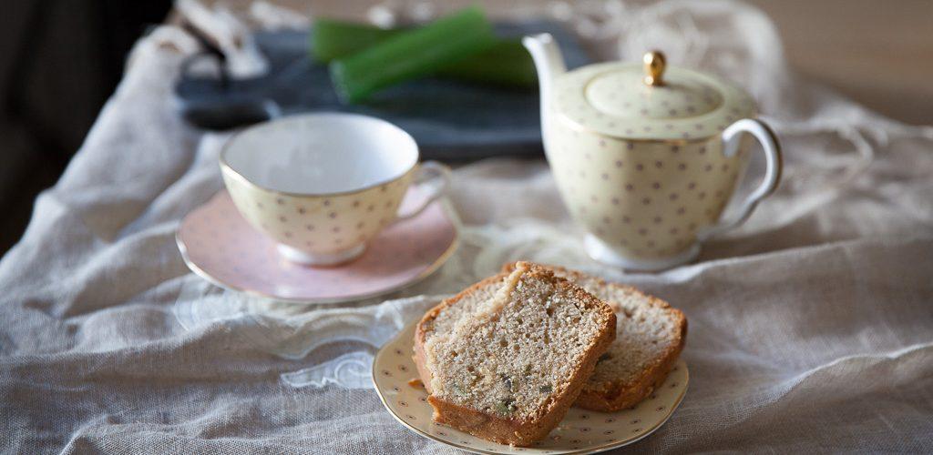 tranches de cake aux amandes et à l'angélique confite