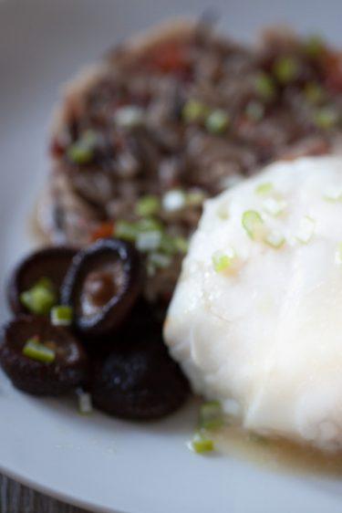 Poisson blanc aux champignons et riz sauvage -recette