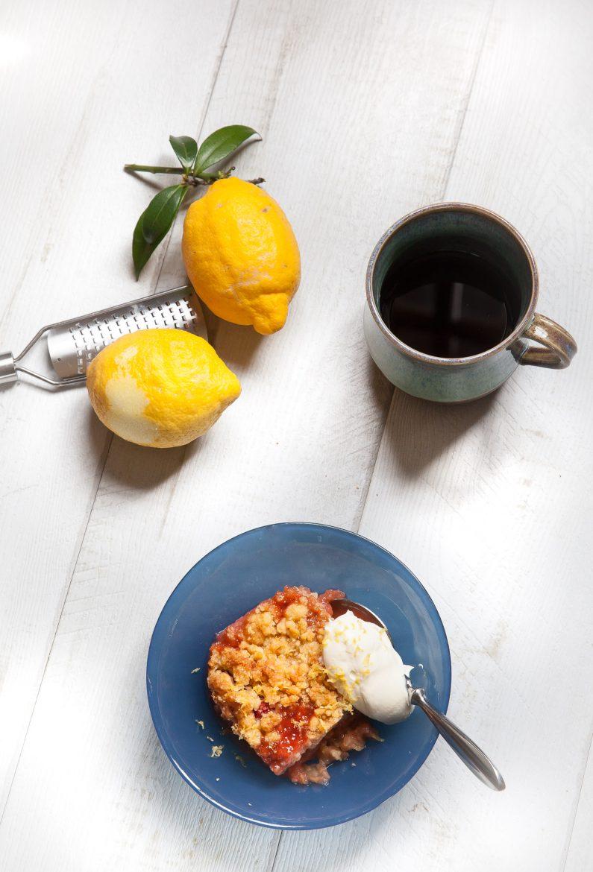crumble aux fraises et compote de poires recette